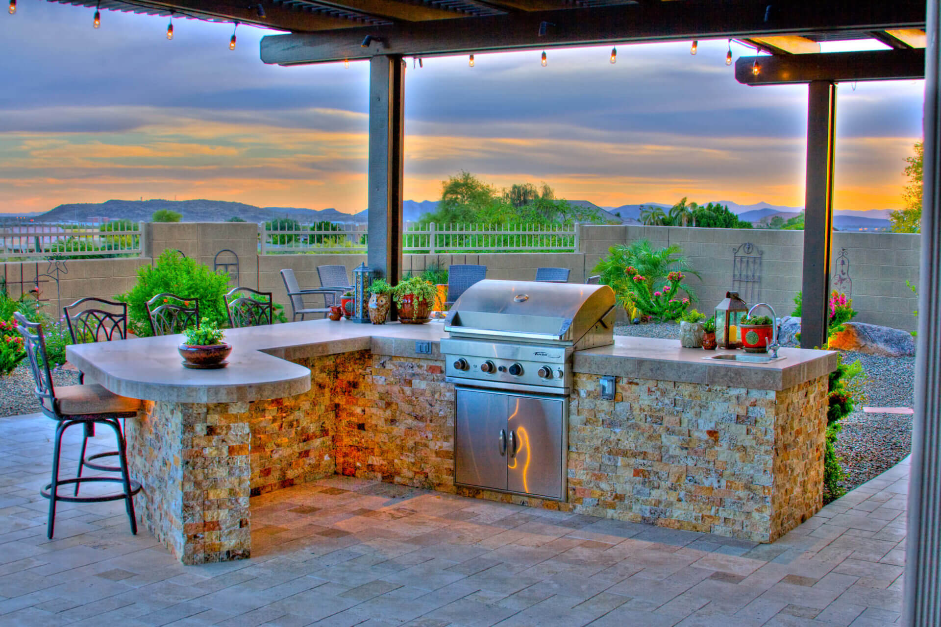 Which Outdoor Kitchen Design is Best For Your Lifestyle?